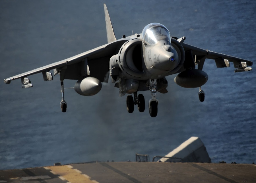 av8_harrier_takeoff