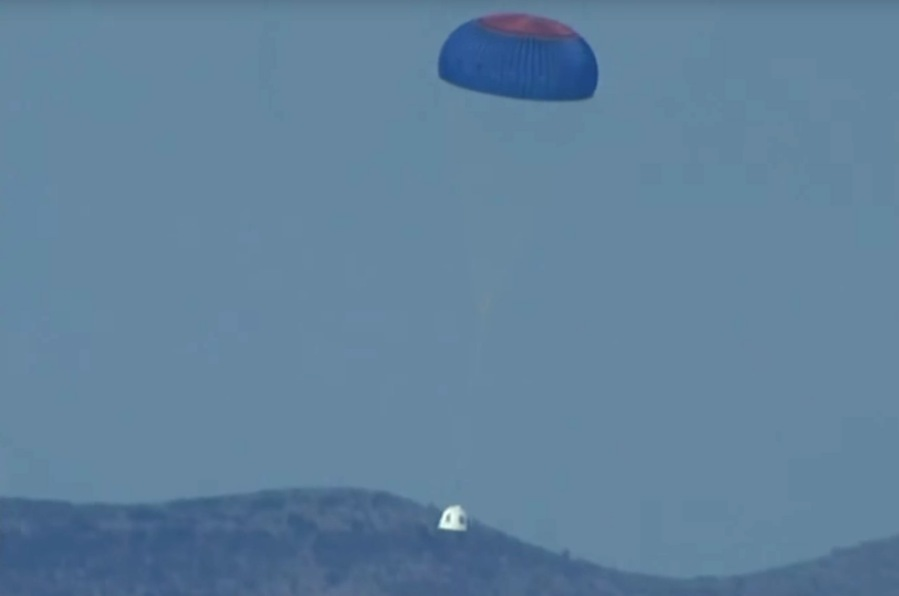 blue origin crew chute2